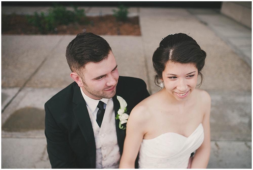 jennifer-travis-3864_zach_davis_fargo_wedding_photographer.jpg