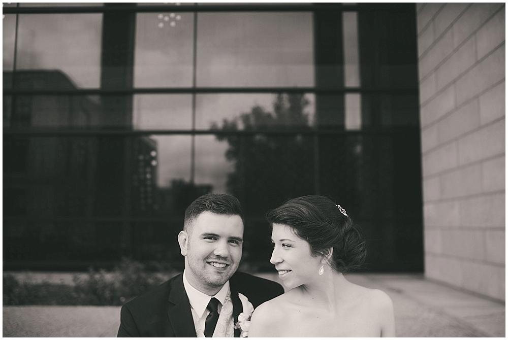 jennifer-travis-3872_zach_davis_fargo_wedding_photographer.jpg