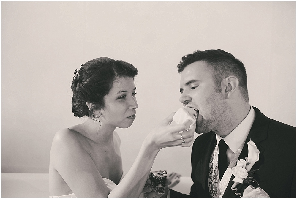 jennifer-travis-4226_zach_davis_fargo_wedding_photographer.jpg