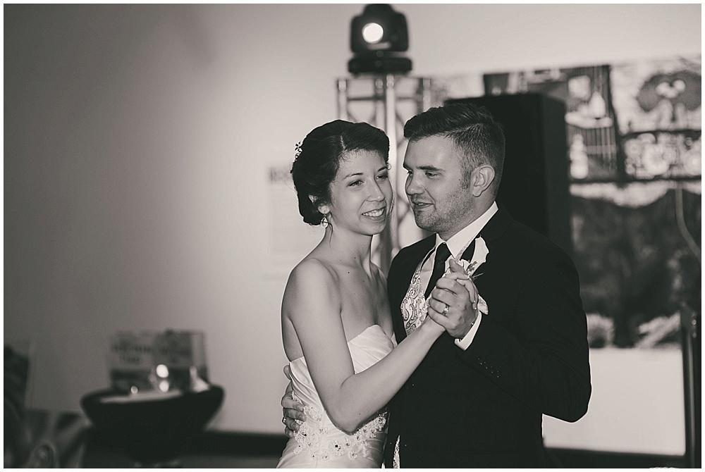 jennifer-travis-4281_zach_davis_fargo_wedding_photographer.jpg