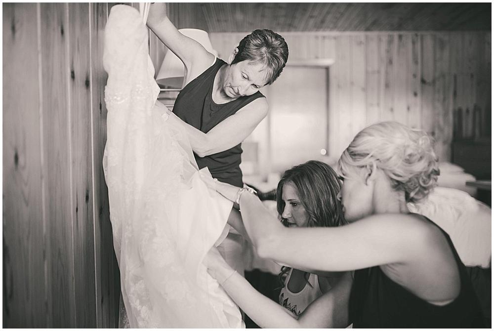 Amy-Petter-1540_zach_davis_fargo_wedding_photographer.jpg