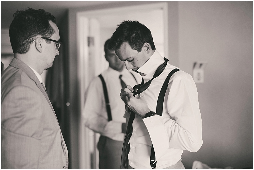 heather-stephen-1534_zach_davis_fargo_wedding_photographer.jpg