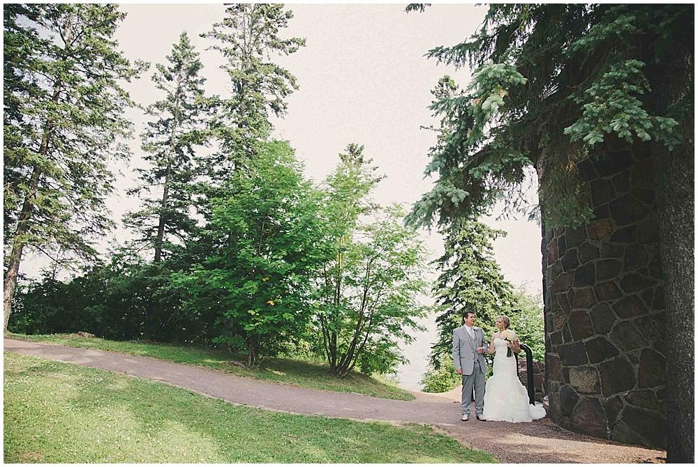 heather-stephen-3106_zach_davis_fargo_wedding_photographer.jpg