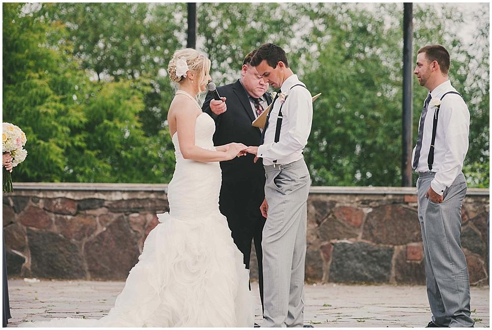 heather-stephen-3381_zach_davis_fargo_wedding_photographer.jpg