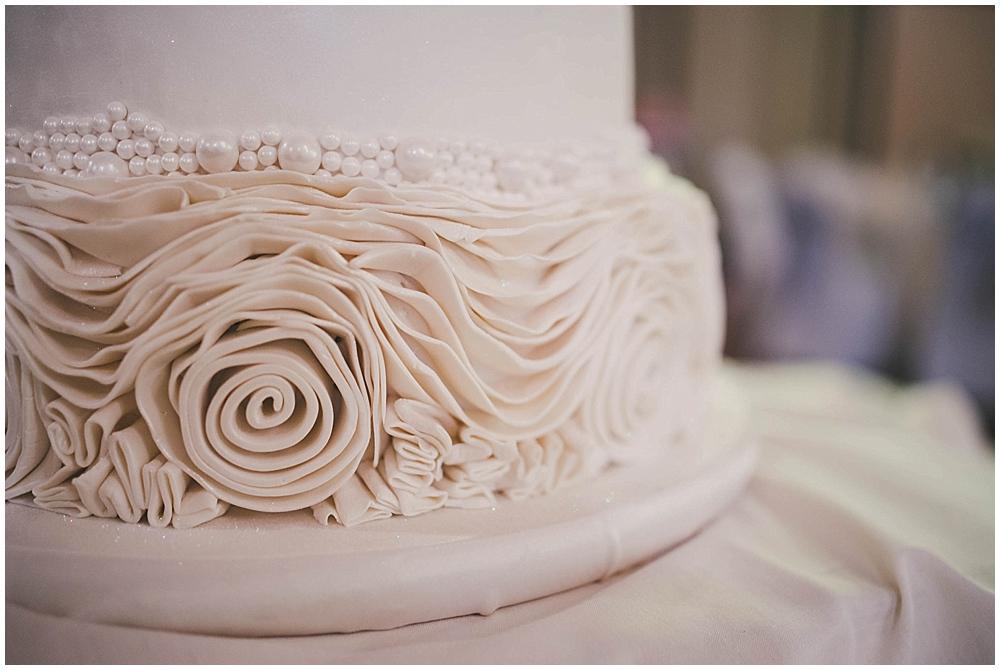 heather-stephen-3633_zach_davis_fargo_wedding_photographer.jpg