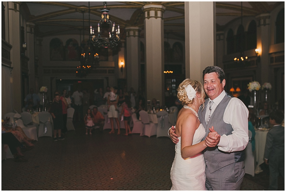 heather-stephen-4506_zach_davis_fargo_wedding_photographer.jpg