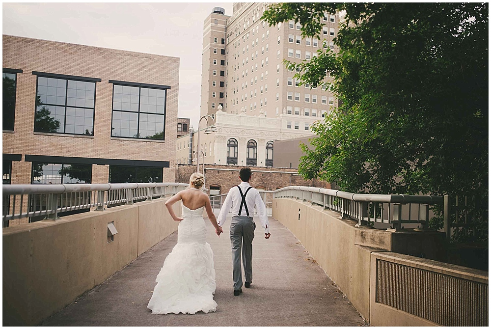 heather-stephen-4017_zach_davis_fargo_wedding_photographer.jpg
