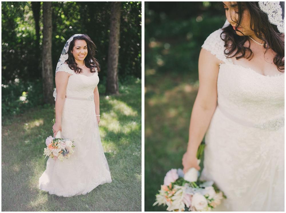 Gabby-Joey-1437_zach_davis_fargo_wedding_photographer.jpg