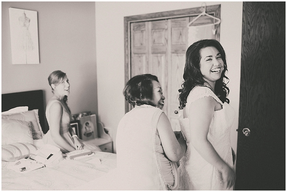 Gabby-Joey-1100_zach_davis_fargo_wedding_photographer.jpg