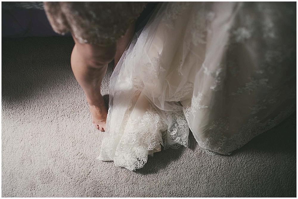 Gabby-Joey-1108_zach_davis_fargo_wedding_photographer.jpg