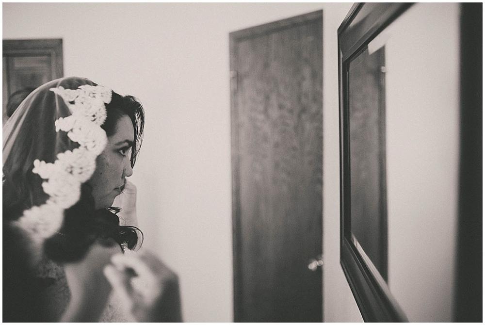 Gabby-Joey-1186_zach_davis_fargo_wedding_photographer.jpg