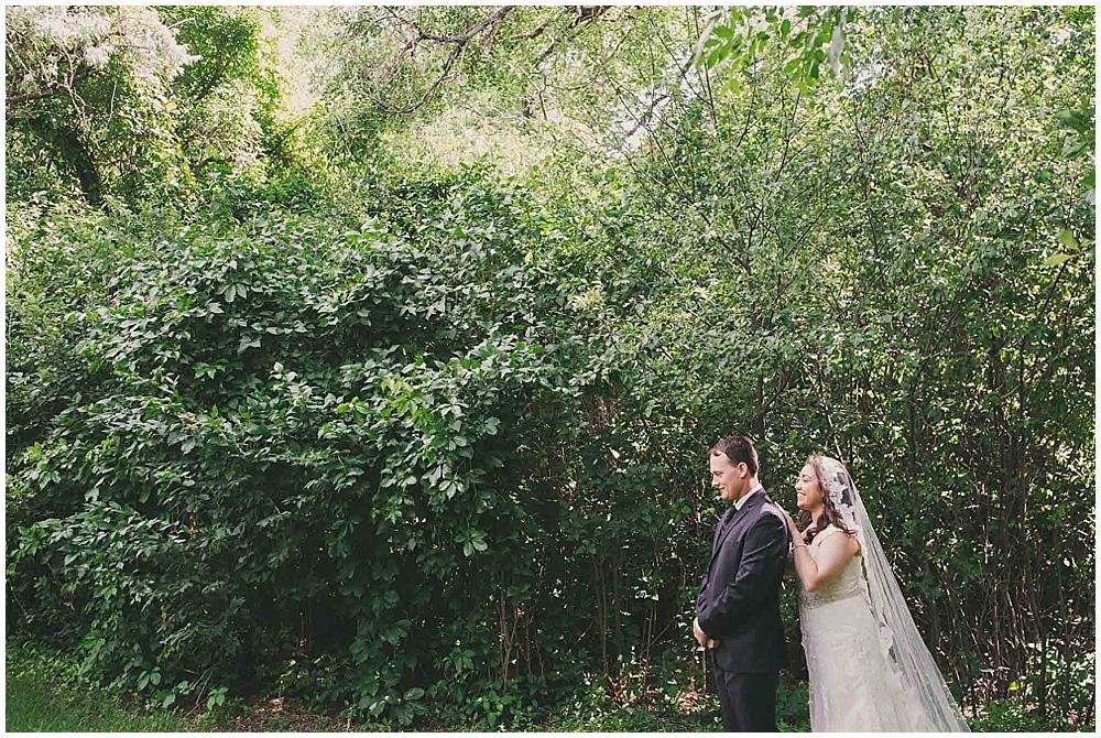 Gabby-Joey-1250_zach_davis_fargo_wedding_photographer.jpg