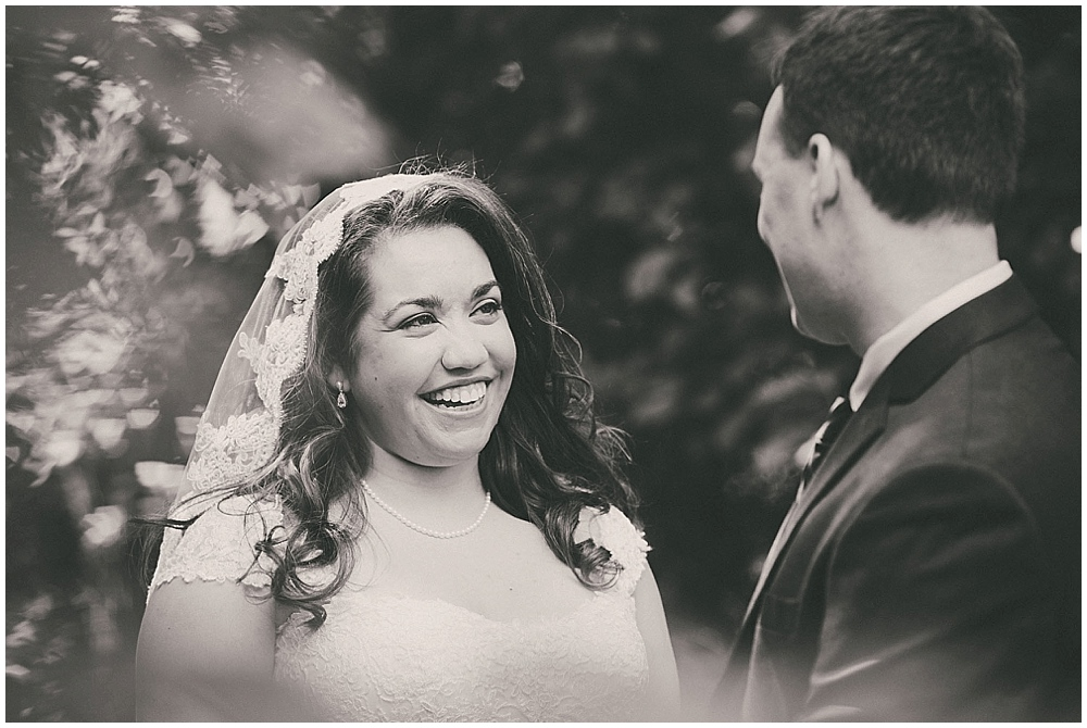 Gabby-Joey-1254_zach_davis_fargo_wedding_photographer.jpg
