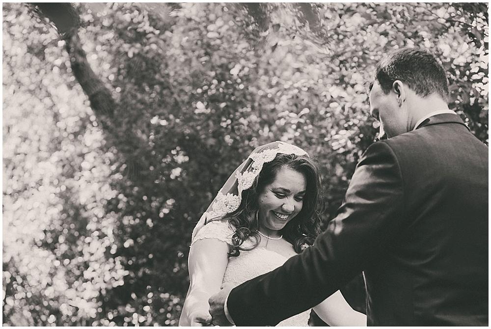 Gabby-Joey-1268_zach_davis_fargo_wedding_photographer.jpg