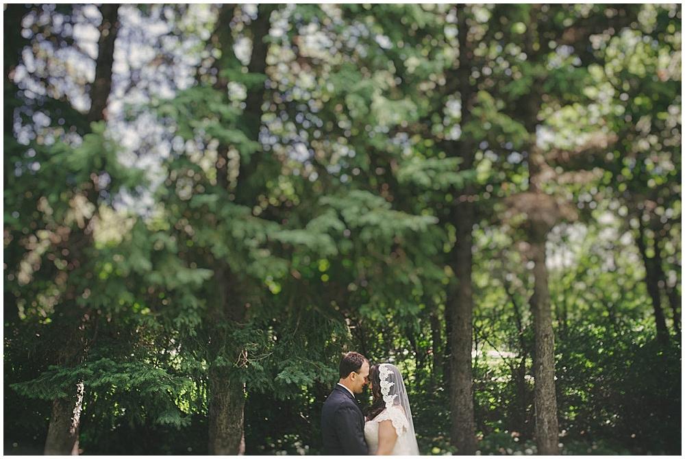 Gabby-Joey-1374_zach_davis_fargo_wedding_photographer.jpg