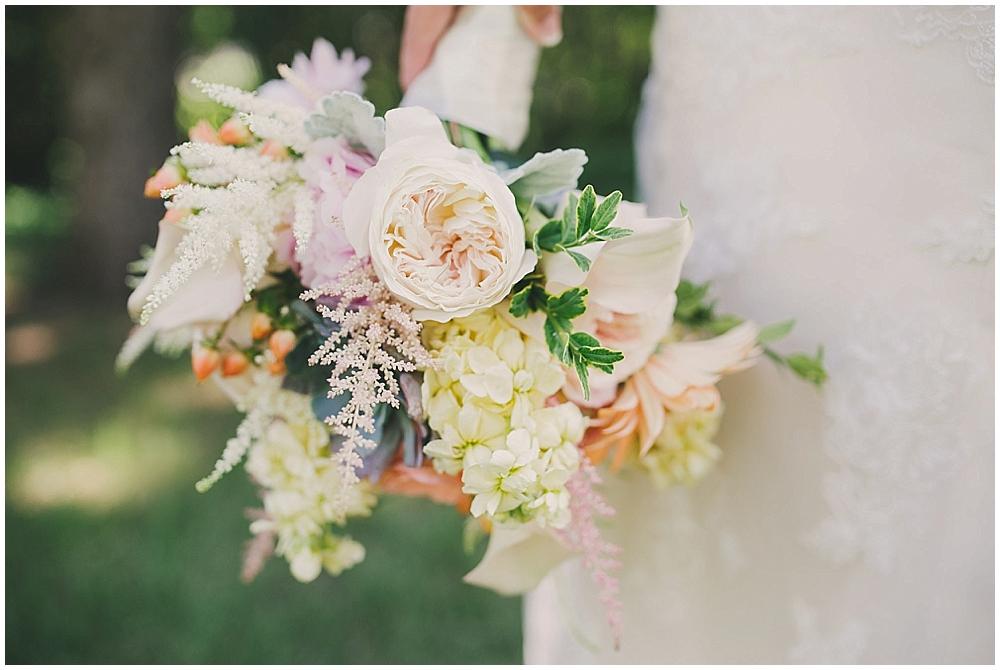 Gabby-Joey-1427_zach_davis_fargo_wedding_photographer.jpg