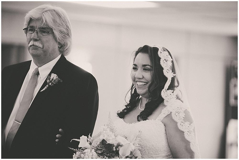 Gabby-Joey-1822_zach_davis_fargo_wedding_photographer.jpg