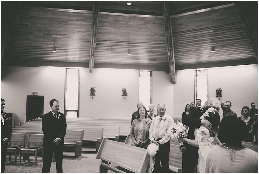 Gabby-Joey-1839_zach_davis_fargo_wedding_photographer.jpg