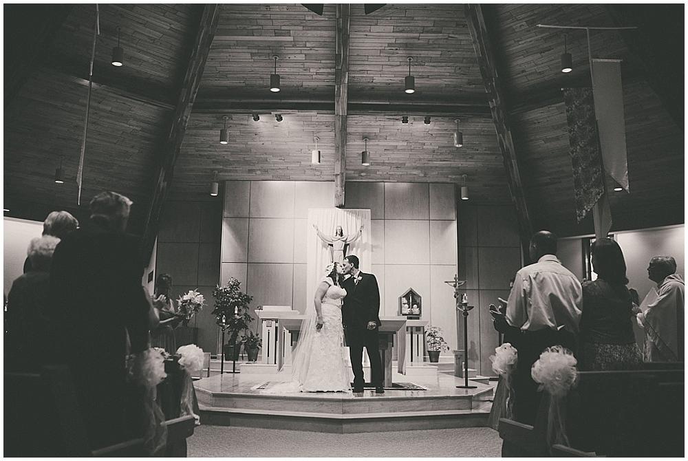 Gabby-Joey-1994_zach_davis_fargo_wedding_photographer.jpg