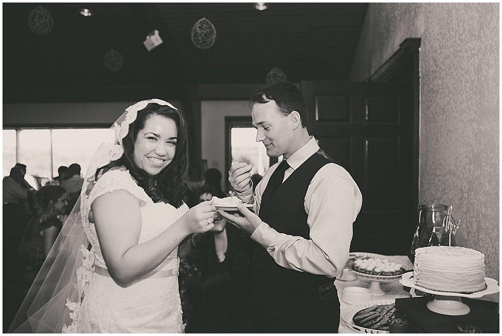 Gabby-Joey-2458_zach_davis_fargo_wedding_photographer.jpg