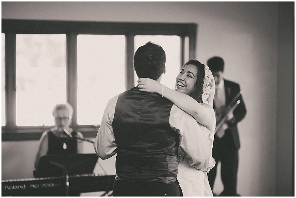 Gabby-Joey-2622_zach_davis_fargo_wedding_photographer.jpg