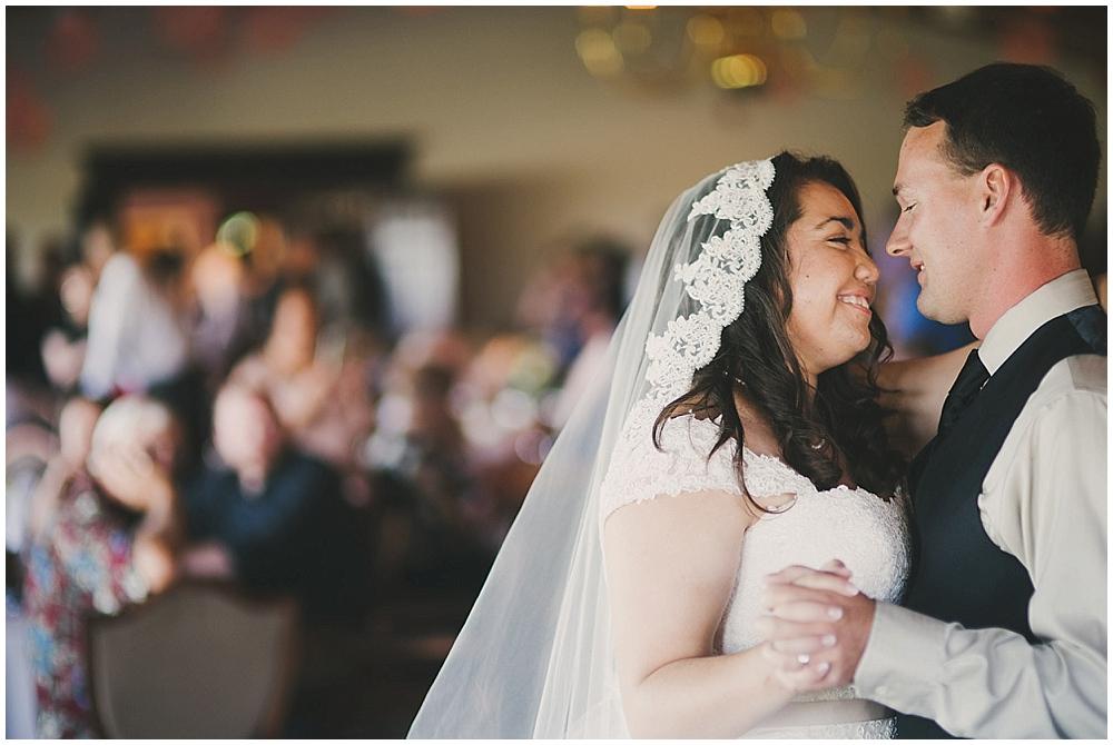 Gabby-Joey-2664_zach_davis_fargo_wedding_photographer.jpg