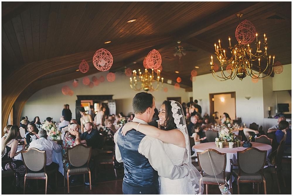 Gabby-Joey-2688_zach_davis_fargo_wedding_photographer.jpg