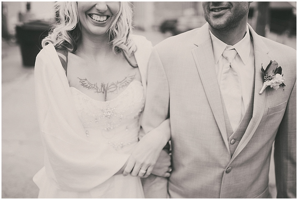 Shawna-Matt-1532_zach_davis_fargo_wedding_photographer.jpg