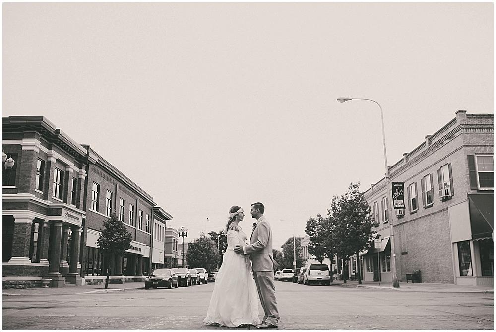 Shawna-Matt-1774_zach_davis_fargo_wedding_photographer.jpg