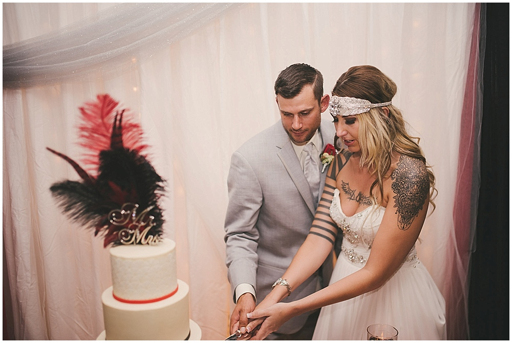 Shawna-Matt-3545_zach_davis_fargo_wedding_photographer.jpg