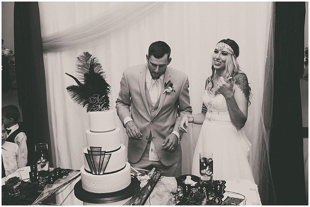 Shawna-Matt-3590_zach_davis_fargo_wedding_photographer.jpg