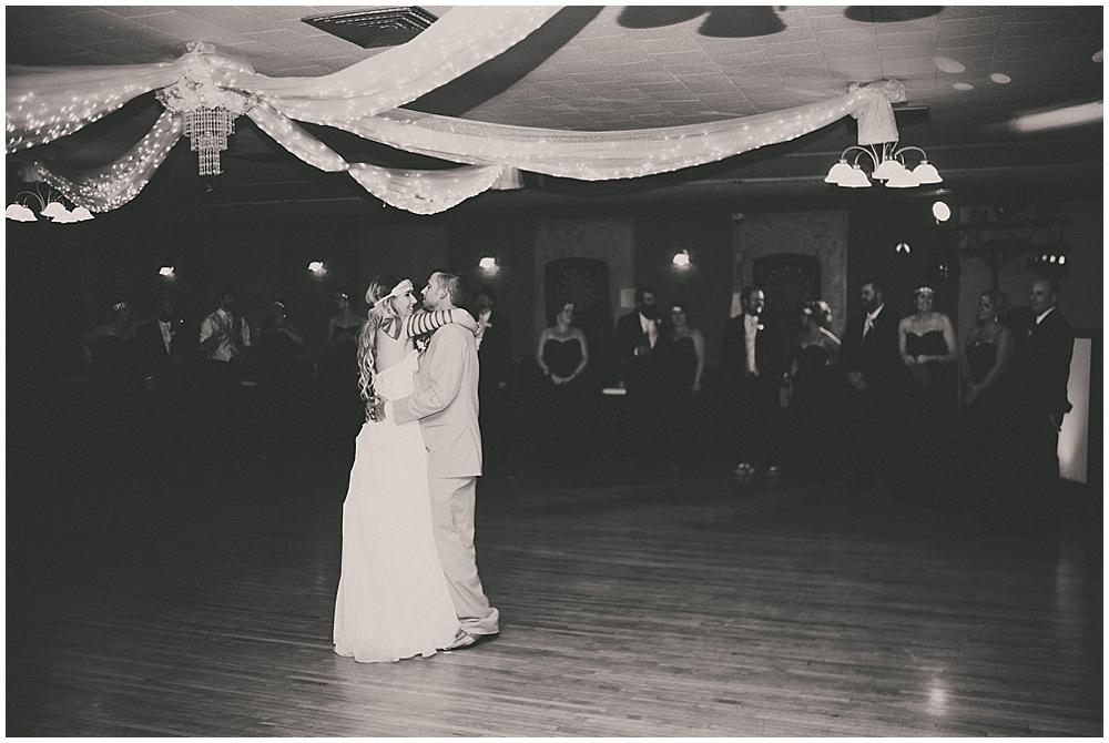 Shawna-Matt-3806_zach_davis_fargo_wedding_photographer.jpg