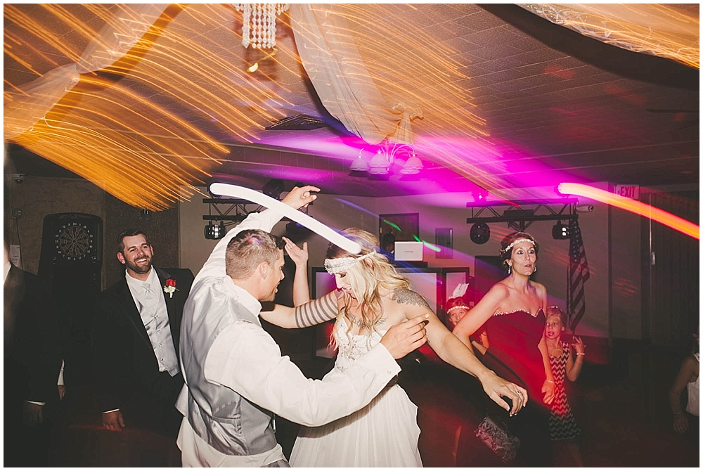 Shawna-Matt-3878_zach_davis_fargo_wedding_photographer.jpg
