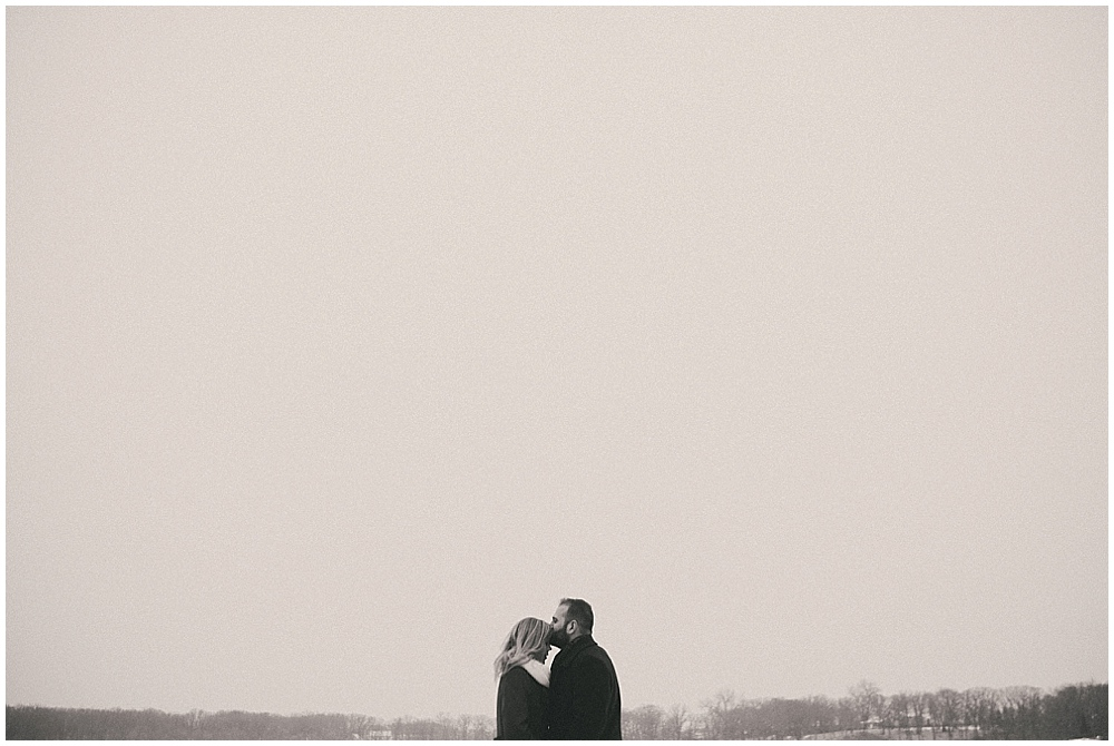 Katelyn-Jon-1465_zach_davis_fargo_wedding_photographer.jpg