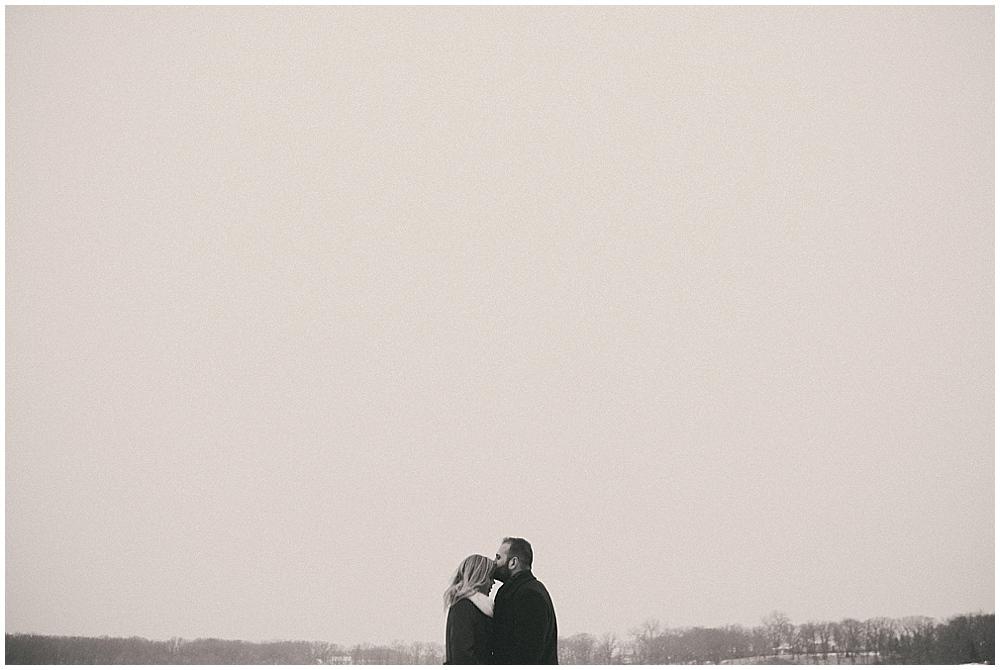 Katelyn-Jon-1465_zach_davis_fargo_wedding_photographer.jpg