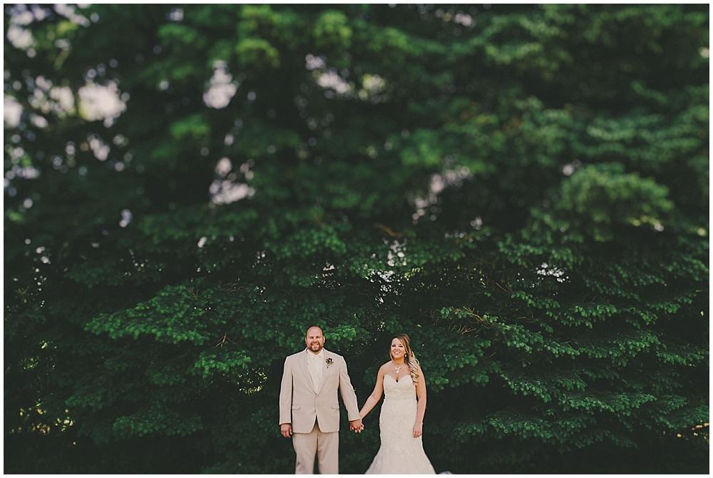 Aryn-Justin-1685_zach_davis_fargo_wedding_photographer.jpg