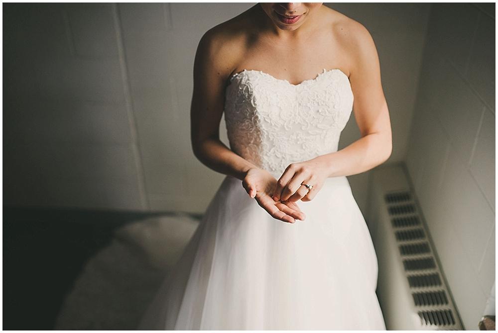 Lindsay-Jay-1410_zach_davis_fargo_wedding_photographer.jpg