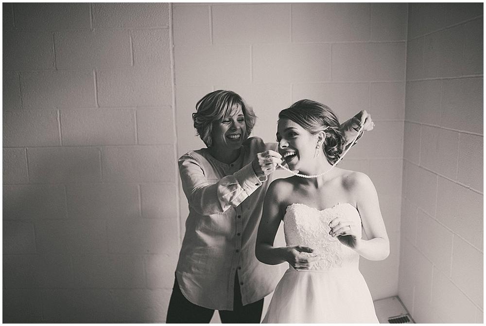 Lindsay-Jay-1416_zach_davis_fargo_wedding_photographer.jpg