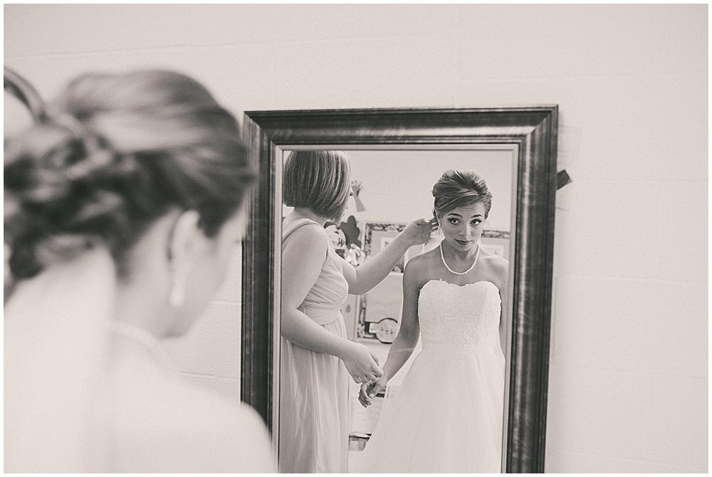 Lindsay-Jay-1476_zach_davis_fargo_wedding_photographer.jpg