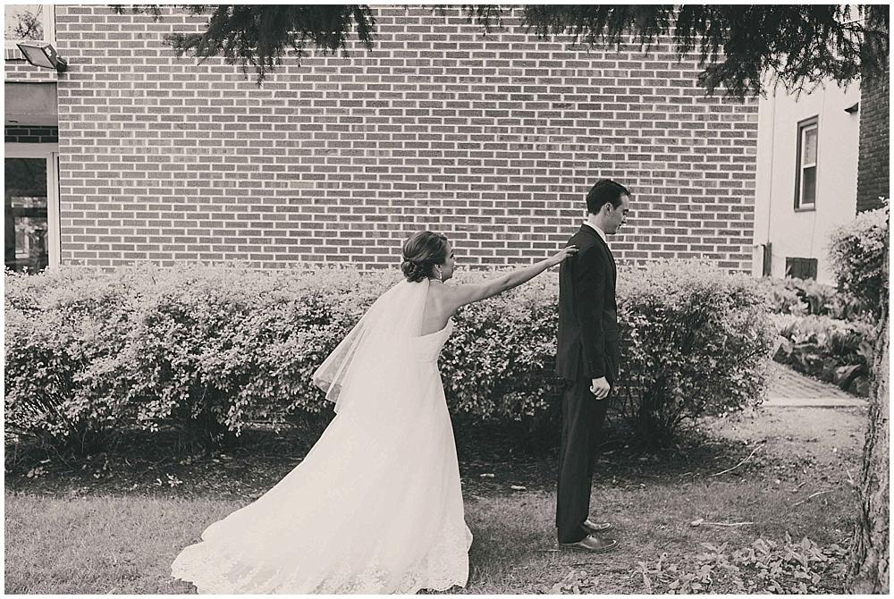 Lindsay-Jay-1490_zach_davis_fargo_wedding_photographer.jpg