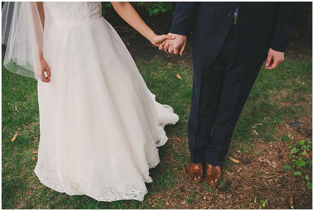Lindsay-Jay-1552_zach_davis_fargo_wedding_photographer.jpg
