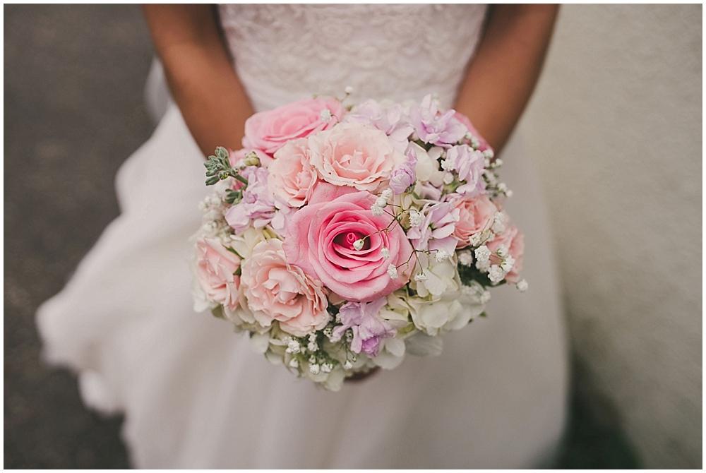 Lindsay-Jay-1604_zach_davis_fargo_wedding_photographer.jpg