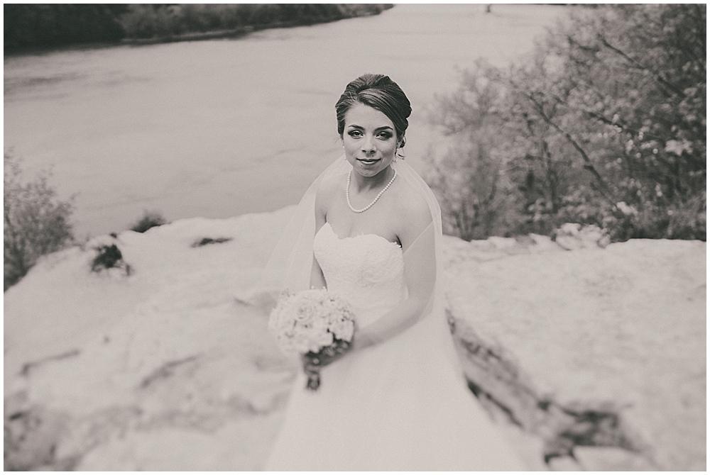 Lindsay-Jay-1901_zach_davis_fargo_wedding_photographer.jpg