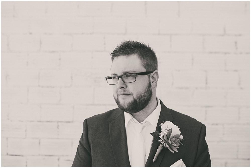 Taylor-Cody-1663_zach_davis_fargo_wedding_photographer.jpg