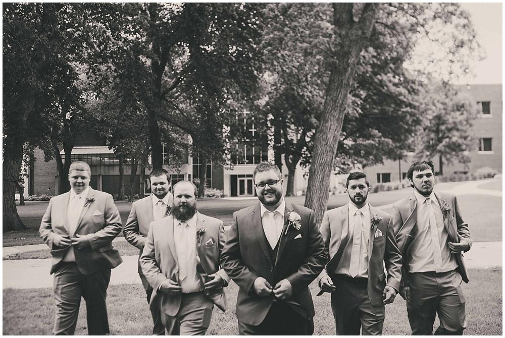 Taylor-Cody-1986_zach_davis_fargo_wedding_photographer.jpg