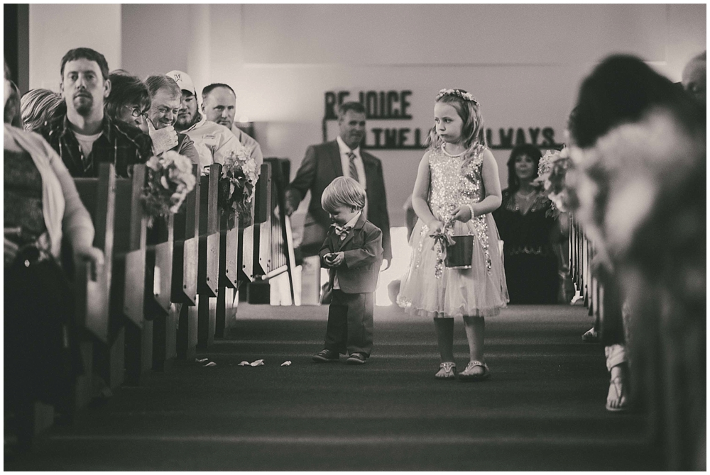 Taylor-Cody-2586_zach_davis_fargo_wedding_photographer.jpg