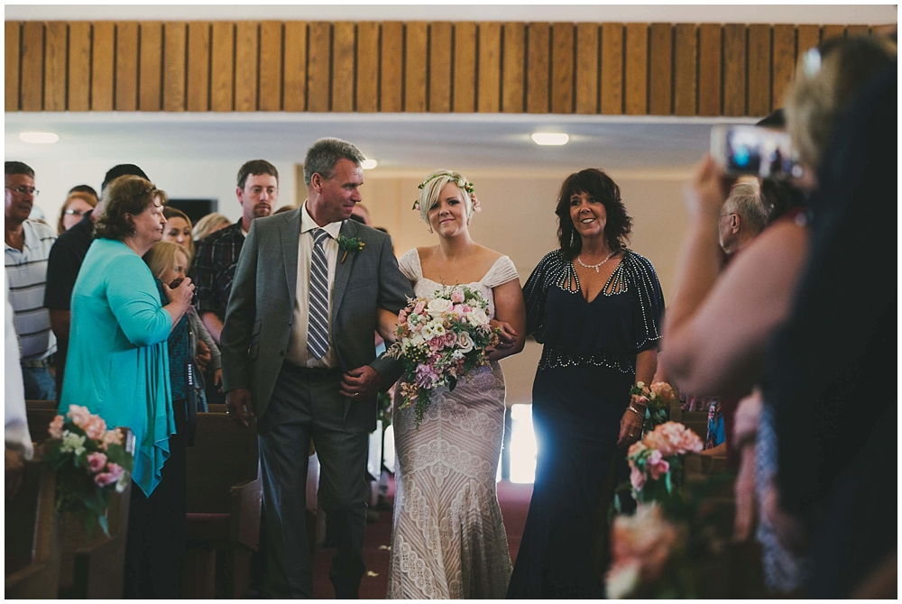 Taylor-Cody-2612_zach_davis_fargo_wedding_photographer.jpg