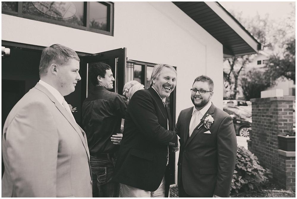 Taylor-Cody-2810_zach_davis_fargo_wedding_photographer.jpg