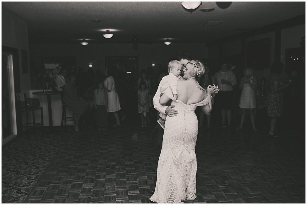 Taylor-Cody-3407_zach_davis_fargo_wedding_photographer.jpg