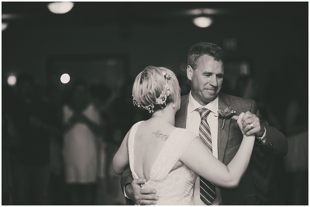 Taylor-Cody-3448_zach_davis_fargo_wedding_photographer.jpg